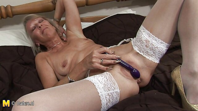 Hot porno keine Registrierung  HD ältere sexy damen Trans Sex Videos Xmas Special Jessy Bells Cums!