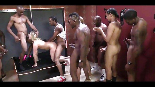 Hot porno keine Registrierung  Kostüm Ball schöne reife geile frauen Teil 4