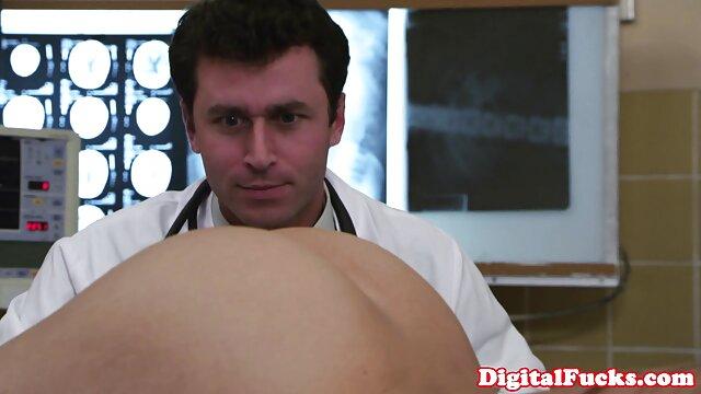 Hot porno keine Registrierung  Heißes reife mature sex Rollenspiel mit einer sexy vollbusigen Milf