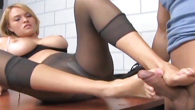 Hot porno keine Registrierung  Aidra Fox-Jung und tief vertraut (2020) pornofilme mit reifen frauen