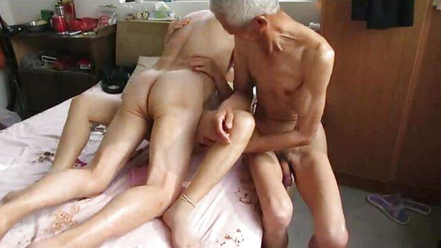 Hot porno keine Registrierung  Der beste Zimmerservice mit TS Estela frau 50 fickt Duarte